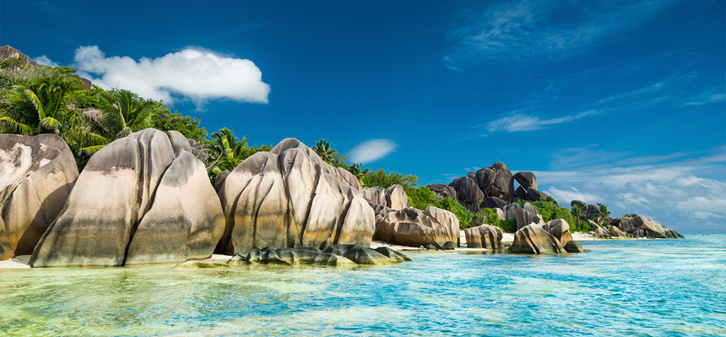 Travel-Destination-Seychelles-HOME